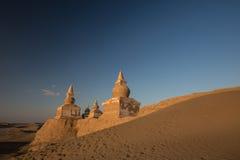 Templo chino antiguo en la puesta del sol Imágenes de archivo libres de regalías