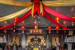 Templo chino interior en Indonesia Fotos de archivo libres de regalías