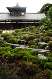 Templo con el jardín japonés Foto de archivo