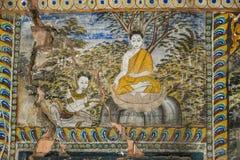 Templo con la pintura antigua sobre la ley de karmas desde el año 1928 Foto de archivo