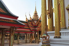 Templo constructivo budista de Architeture Wat Buakwan en Bangkok Tailandia imagenes de archivo