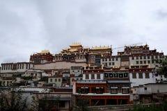 Templo da Buda de Songzanlin fotos de stock royalty free