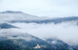 Templo da cachoeira em Penang fotografia de stock royalty free
