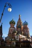 Templo da manjericão do abençoado em Moscou Imagens de Stock