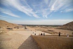 Templo da morgue de Hatshepsut fotos de stock royalty free