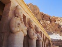 Templo da rainha Hatshepsut's em Egito imagens de stock royalty free