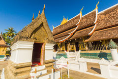 Templo da tanga de Wat Xieng, estrondo de Luang Pra, Laos imagens de stock