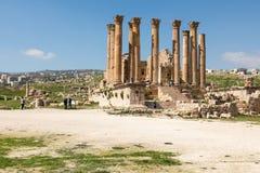 Templo de Ártemis na cidade romana antiga de Gerasa, Jerash, J imagem de stock