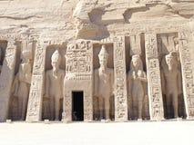 Templo de Abu Simbel - Nefertari fotos de stock royalty free