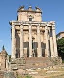 Templo de Antoninus e de Faustina Imagem de Stock