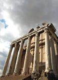 Templo de Antoninus e de Faustina fotografia de stock royalty free
