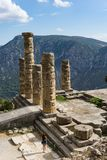 Templo de Apollo em Delphi em Greece foto de stock