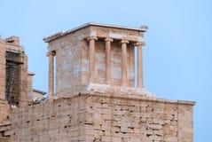 Templo de Athena Nike en la acrópolis Imágenes de archivo libres de regalías