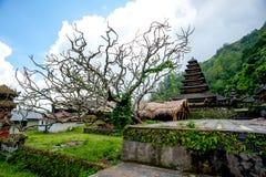 Templo de Balinesse del pueblo de Trunyan Imágenes de archivo libres de regalías