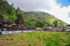 Templo de Balinesse del pueblo de Trunyan Fotos de archivo libres de regalías