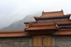 Templo de Baoen en la lluvia Imagen de archivo