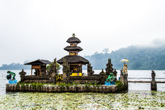 Templo de Bedugal, lago Braton Bali Indonésia Imagem de Stock Royalty Free