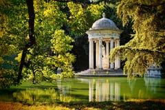 Templo de Diana Parque histórico da casa de campo Durazzo Pallavicini em Genoa-Perli, Itália Imagem de Stock Royalty Free