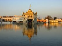 Templo de Durgiana - templo hindu em Amritsar, Índia fotografia de stock