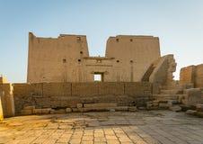 Templo de Edfu Dedicado ao deus Horus do falcão Egypt imagens de stock