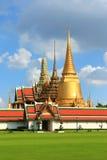 Templo de Emerald Buddha; nome oficial completo Wat Phra Si Rattana Satsadaram em Banguecoque, Tailândia Imagem de Stock