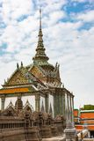 Templo de Emerald Buddha Or Wat Phra Kaew em Banguecoque imagens de stock royalty free