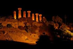 Templo de Ercole em a noite fotos de stock