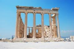 Templo de Erechteion na acrópole em Atenas Grécia imagem de stock