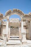 Templo de Hadrian en la ciudad antigua de Ephesus Fotografía de archivo libre de regalías