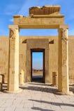 Templo de Hatshepsut en el valle de los reyes Fotos de archivo
