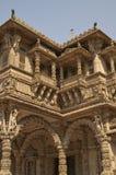 Templo de Hutheesing em Ahmadabad, Gujarat, Índia fotografia de stock royalty free