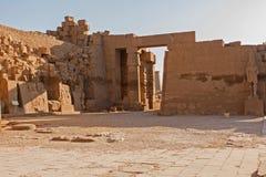 Templo de Karnak, esculturas colossais de Egito antigo em Nile Valley em Luxor fotos de stock royalty free