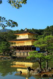 Templo de Kinkaku-ji del pabellón de oro Fotos de archivo libres de regalías
