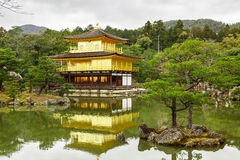 Templo de Kinkaku-Ji em Kyoto Foto de Stock