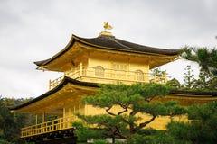 Templo de Kinkaku-Ji em Kyoto Imagens de Stock Royalty Free