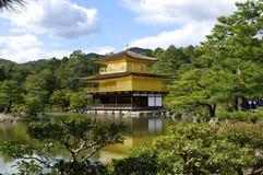 Templo de Kinkaku-ji, um local do patrimônio mundial em Kyoto Fotografia de Stock
