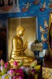 Templo de Krabi Wat Kaew Korawaram fotos de archivo