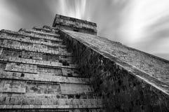 Templo de Kukulcan en Chichen Itza, México Imagen de archivo