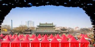 Templo de la atmósfera del Año Nuevo imágenes de archivo libres de regalías