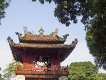 Templo de la literatura en Hanoi imágenes de archivo libres de regalías