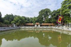 Templo de la literatura, de un Temple of Confucius en Hanoi y de la atracción turística Vietnam imagen de archivo