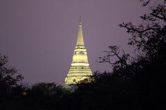 Templo de la noche imagenes de archivo