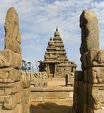 Templo de la orilla - Mamallapuram - Tamil Nadu - la India imagenes de archivo