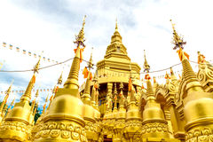 Templo de la pagoda de Gloden Fotografía de archivo libre de regalías