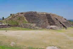 Templo de la pirámide en Tula Imagen de archivo libre de regalías