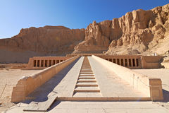 Templo de la reina Hatshepsut fotografía de archivo