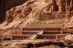 Templo de la reina Hatshepsut en Egipto antiguo Foto de archivo libre de regalías