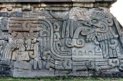 Templo de la serpiente emplumada en Xochicalco méxico imágenes de archivo libres de regalías