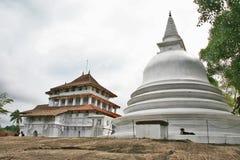 Templo de Lankatilaka de Sri Lanka y de Stupa Foto de archivo