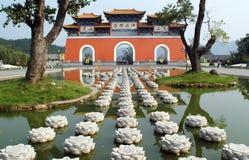 Templo de Lingshan en Xinyang China imagen de archivo